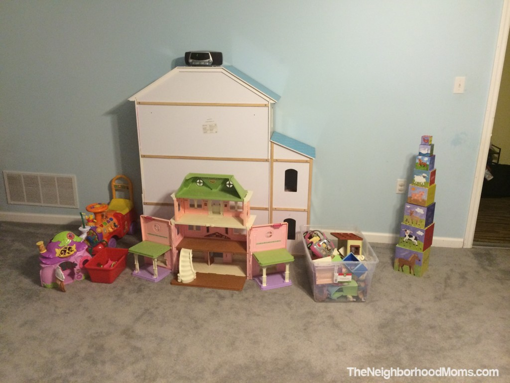 toy rotation doll house area